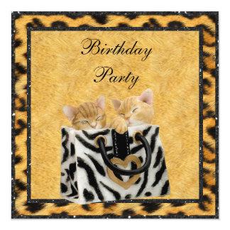 Gatitos y fiesta de cumpleaños del oro de la piel invitación 13,3 cm x 13,3cm