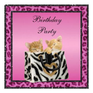 Gatitos y fiesta de cumpleaños rosada de la piel d anuncio personalizado
