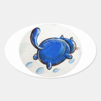 Gato azul en la nieve pegatina ovalada