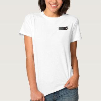 Gato blanco y negro del Peekaboo Camisetas