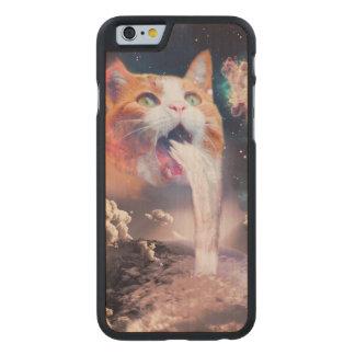 gato de la cascada - fuente del gato - espacie el funda de arce para iPhone 6 de carved