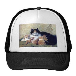Gato de la madre con la pintura de los gatitos gorras de camionero