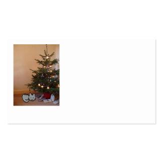 Gato debajo de un árbol de navidad plantilla de tarjeta personal