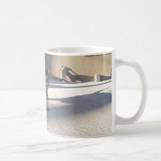 Gato decidido taza de café
