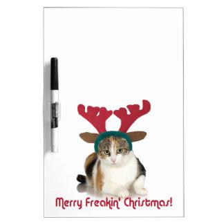 Gato del gatito y Felices Navidad de Freakin de Pizarra Blanca
