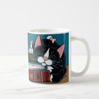 Gato del smoking y ejemplo blanco del cuento de taza de café