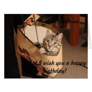 Gato en un bolso del regalo: Tarjeta de cumpleaños
