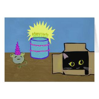 Gato en un cumpleaños del fiesta de la caja tarjeta de felicitación