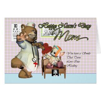 Gato lindo del día de la enfermera de la mamá tarjeta de felicitación