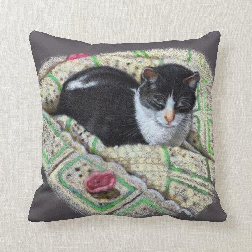 Gato Napping: Dibujo de lápiz del color del realis Cojin