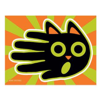 Gato negro asustado postal