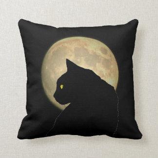 Gato negro bilateral y Luna Llena Cojín Decorativo