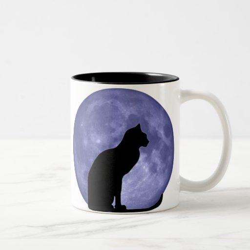 Gato negro, luna azul taza