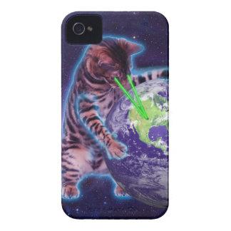 Gato que destruye el mundo con el laser del ojo iPhone 4 carcasas