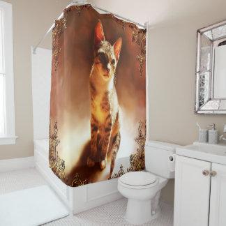 Gato que se sienta cortina de baño