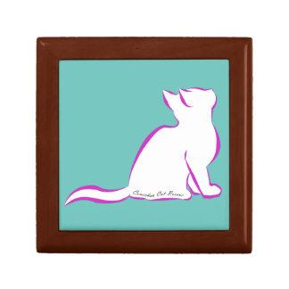 Gato rosado, terraplén blanco, texto interior caja de regalo