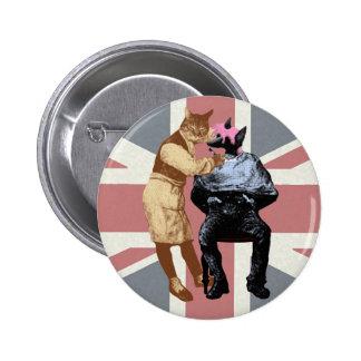 Gato y perro del peluquero del vintage chapa redonda de 5 cm