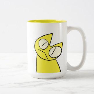 Gatos amarillos el mirar fijamente taza de café de dos colores