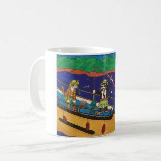 Gatos de la pesca del río taza de café
