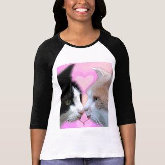 Gatos pareja de enamorados camiseta