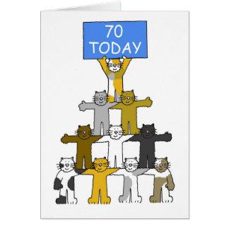 Gatos que celebran el 70.o cumpleaños tarjeta de felicitación