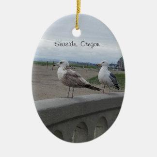 Gaviotas de Oregon de la playa en el ornamento del