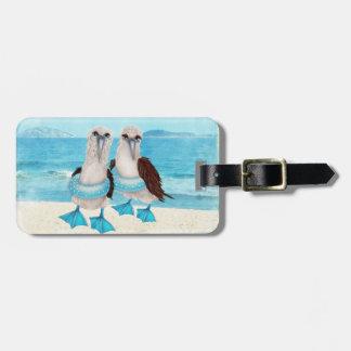 Gaviotas en etiqueta del equipaje de la playa