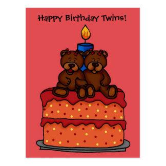 gemelos del chica en la postal de la torta de cump