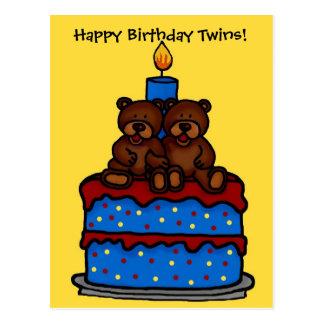 gemelos del muchacho en la postal de la torta de c