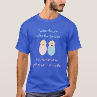 Gemelos = dos veces la alegría camiseta