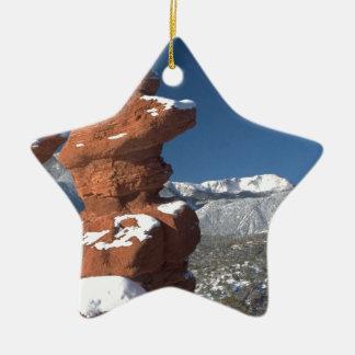 Gemelos siameses y pico de los lucios adorno navideño de cerámica en forma de estrella