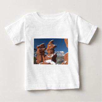 Gemelos siameses y pico de los lucios camiseta para bebé