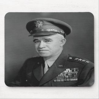 General Omar Bradley -- WWII Tapetes De Ratones
