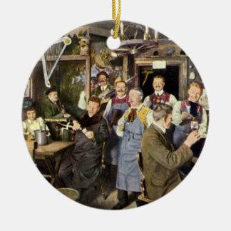 Gente de la barra del restaurante del vintage que adorno redondo de cerámica