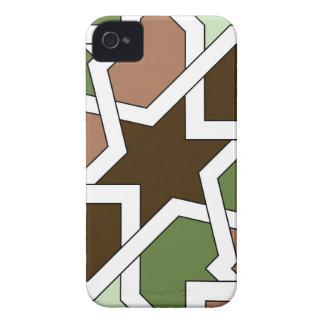 Geometría 04 del patrón de arabesco verde y marrón iPhone 4 Case-Mate cárcasas
