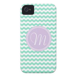 Geometría de ondas verdes en zigzag con monograma funda para iPhone 4 de Case-Mate