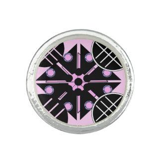 Geométrico en anillo rosado