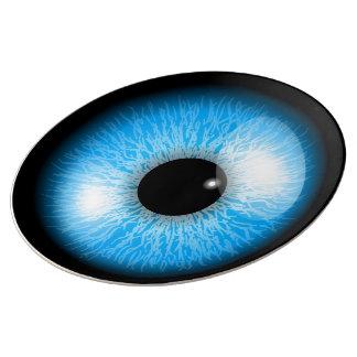 Globo del ojo realista azul espeluznante plato de porcelana