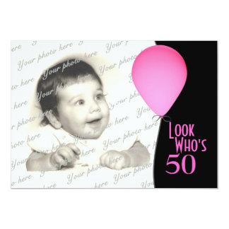 Globo rosado del cumpleaños con la foto invitación 12,7 x 17,8 cm