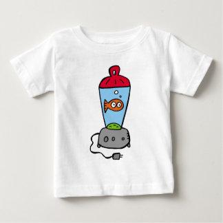 Goldfish de las cosquillas en un mezclador camiseta de bebé