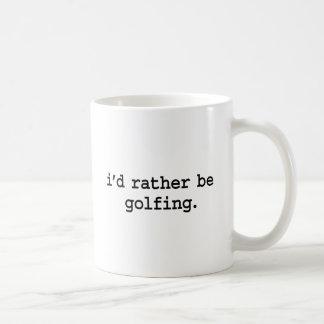 golfing. bastante taza de café