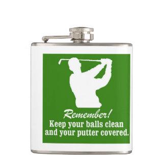 Golfista golfing del humor del putter de las bolas petaca