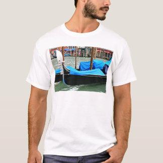 Góndola en Venecia, Italia Camiseta