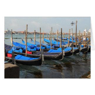 Góndolas en tarjetas de felicitación de Venecia