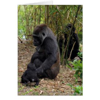 Gorila de tierra baja occidental - mamá y bebé tarjeta de felicitación