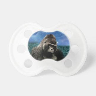 Gorila en el prado chupetes de bebé