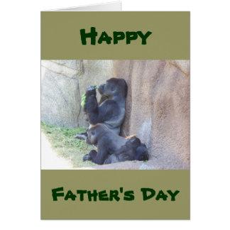 Gorila y familia, el día de la papá de padre feliz tarjeta de felicitación