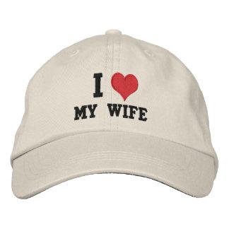 "Gorra Bordada ""Amo a mi esposa """
