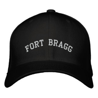 Gorra Bordada Fort Bragg