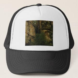 Gorra De Camionero cara amarilla de la roca con los árboles